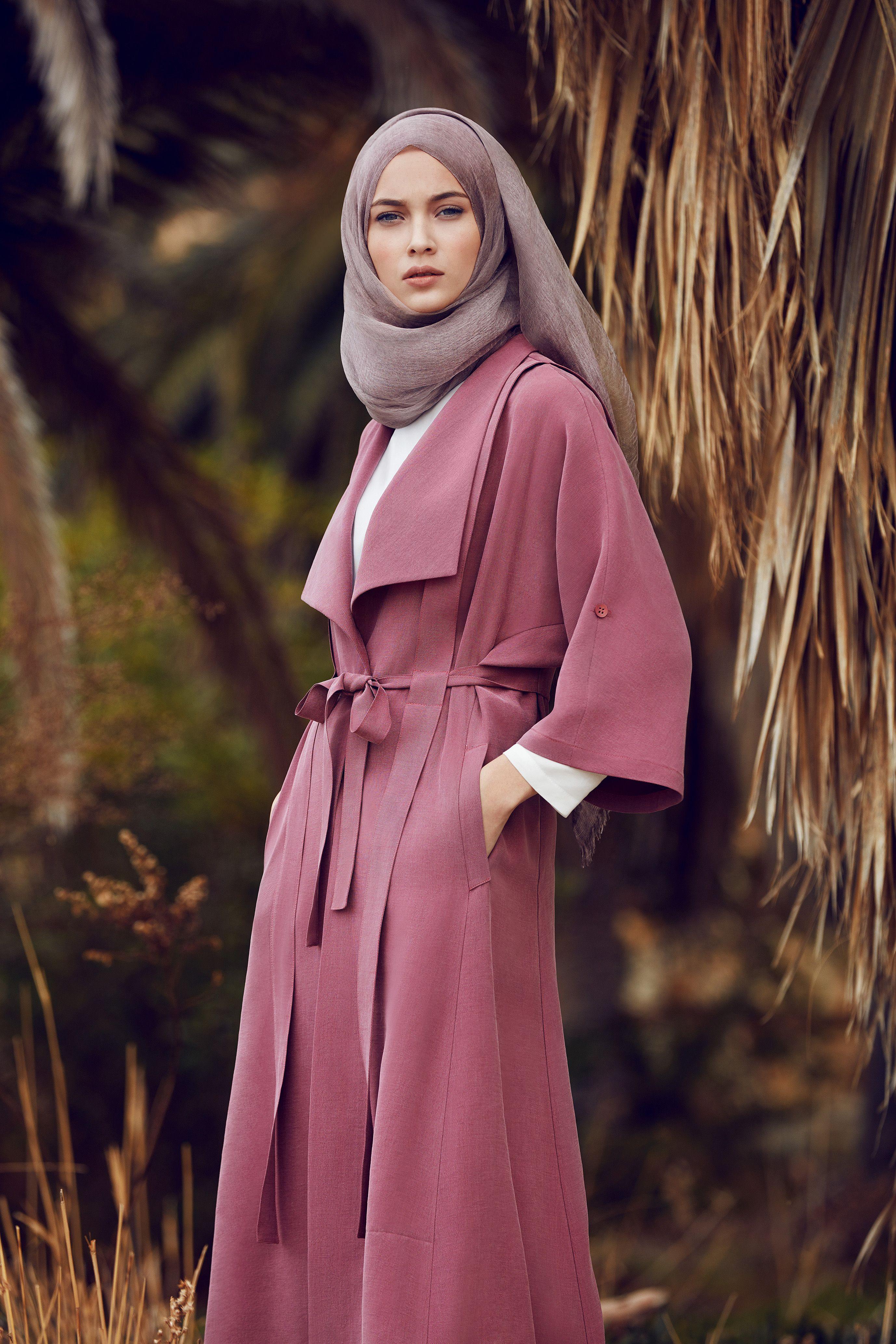 Tugba Venn Giyim Tesettur Giyim Kap Pardesu Ss17 Ilkbahar Yaz Yenisezon Trend Moda Sal Esarp Tunik Etek Panto Moda Stilleri Islami Moda Giyim