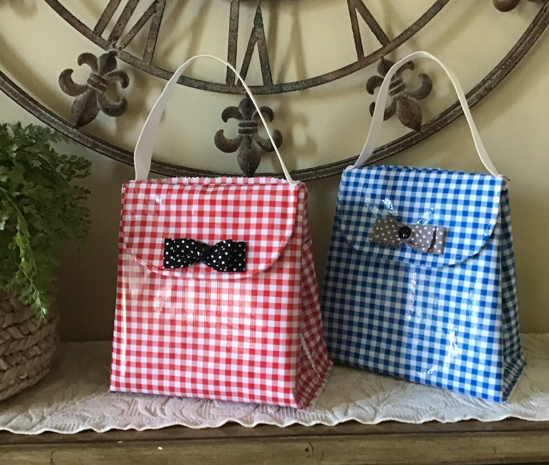 Insulated Lunch Bag, Red Gingham, Blue Gingham, Oilcloth, Lined, thermal layer, easy clean