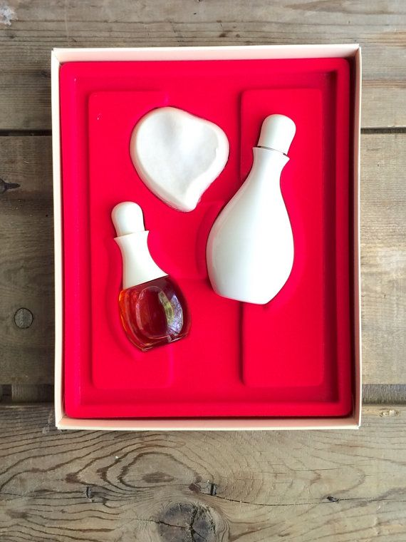 Vintage Halston Cologne Fragrance Boxed Gift set with Perfume Spray Soap and Body Cream by VintageFlicker