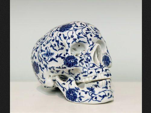 Yang Jiechang, The skull.