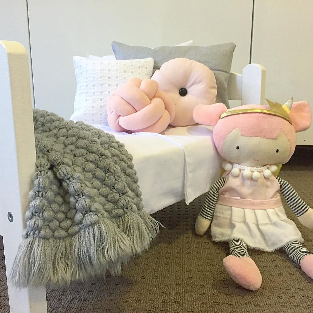 ️DOLL BEDS ️ I'm pretty sure Princess Holly will be