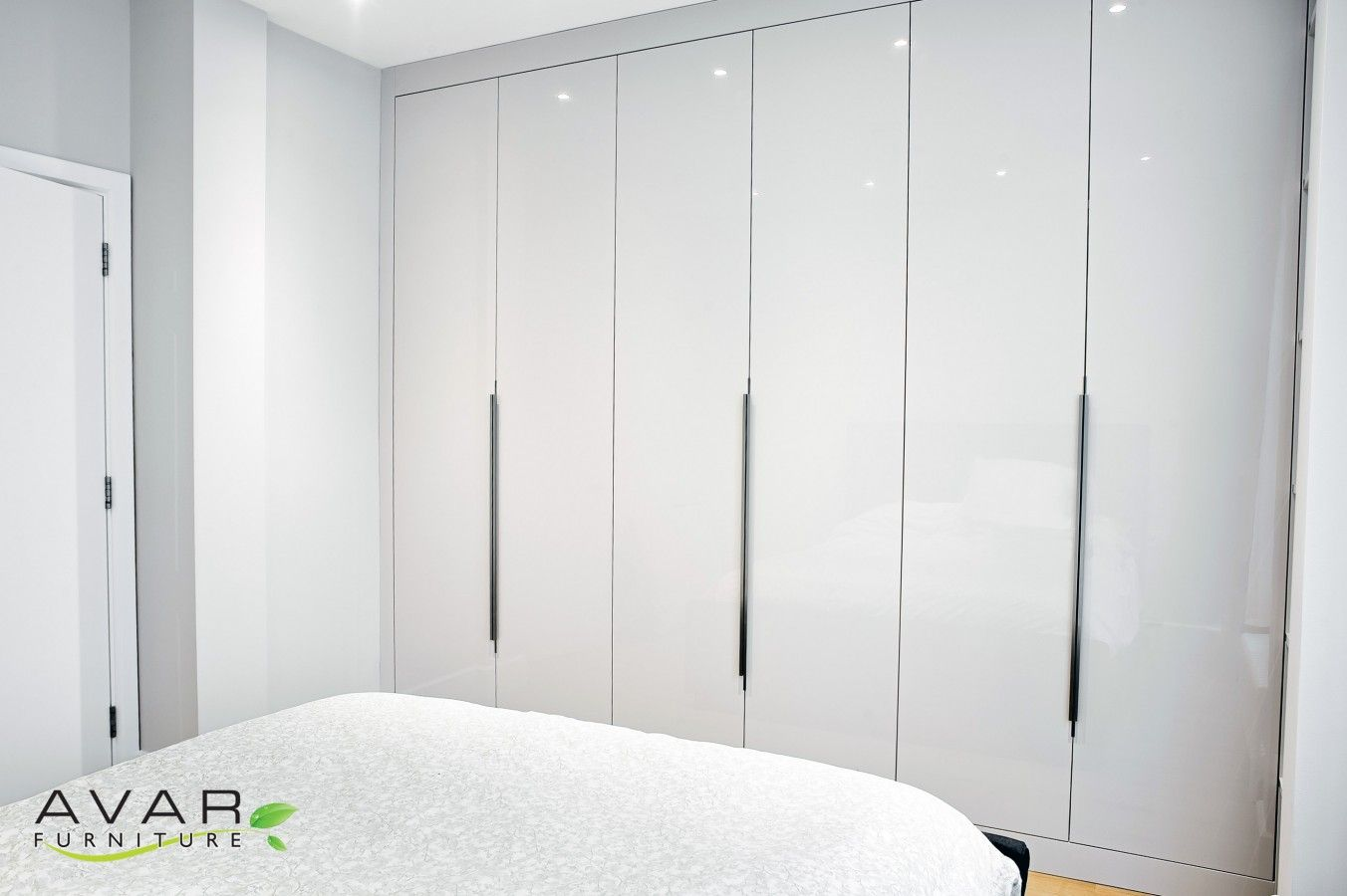 High Gloss Wardrobe From Avar Furniture Fitted Bedroom Furniture White Gloss Furniture Dressing Room Design