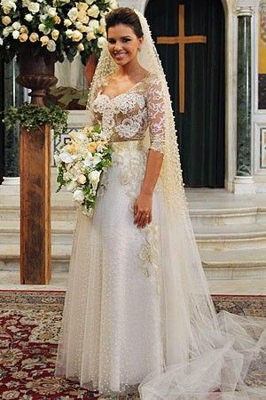 Feito sob medida para Mariana Rios, vestido de noiva de Drika custa ...