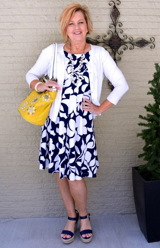 MOTHER'S DAY FLORAL AND AGELESS STYLE LINK-UP