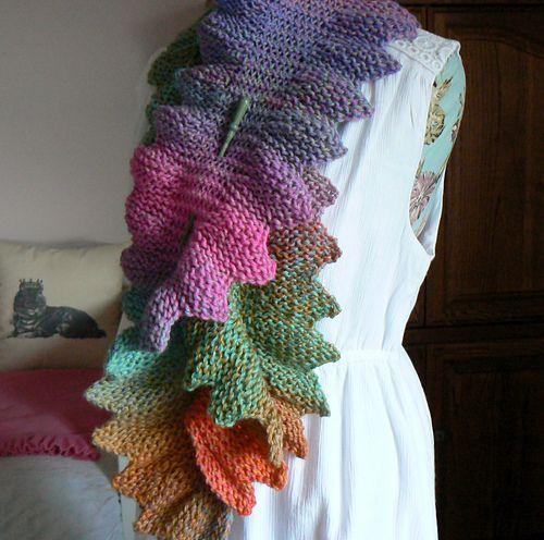 Dragon Tail Scarf pattern by Renee Van Hoy | Crafting: Loom Knitting ...