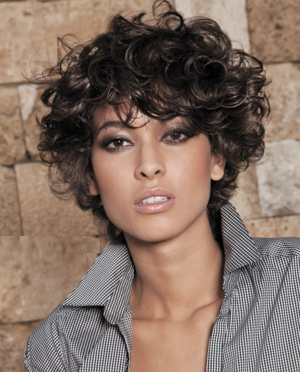 4 Black Hair Colour Short Hairstyles For Curly Hair 2019 Curly Hair 2019 Hairstyles For Curly Hair Styles Short Curly Hairstyles For Women Short Hair Styles