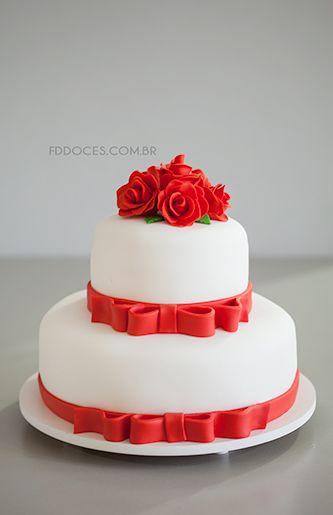 Bolo De Casamento Branco Com Rosas Vermelhas Pesquisa Google