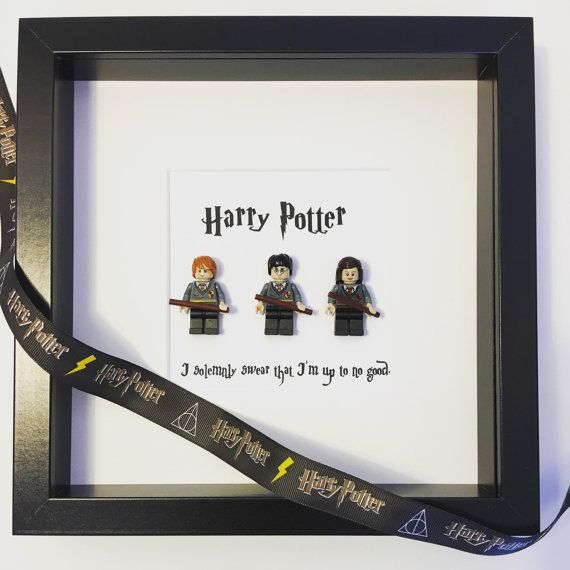 Awesome Harry Potter Lego mini-figure frame. Featuring Harry, Ron ...