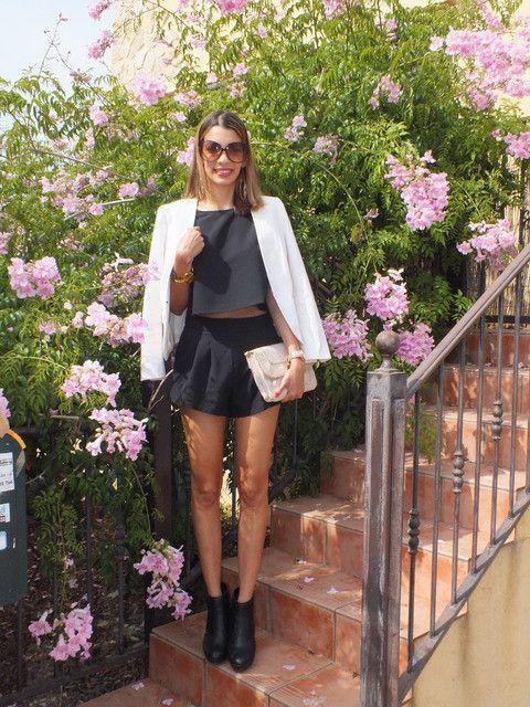 feead3a8483 crop top, short top, black top, high waist shorts, black shorts - Lyfie
