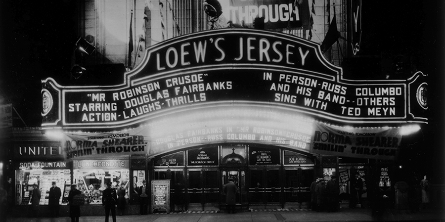 Loews Jersey Movie Palace In Jersey City Gorgeous 1920 S Movie Palace Which Shows Classic Movies On Its Enormous Screen Jersey City Show Place Classic Movies