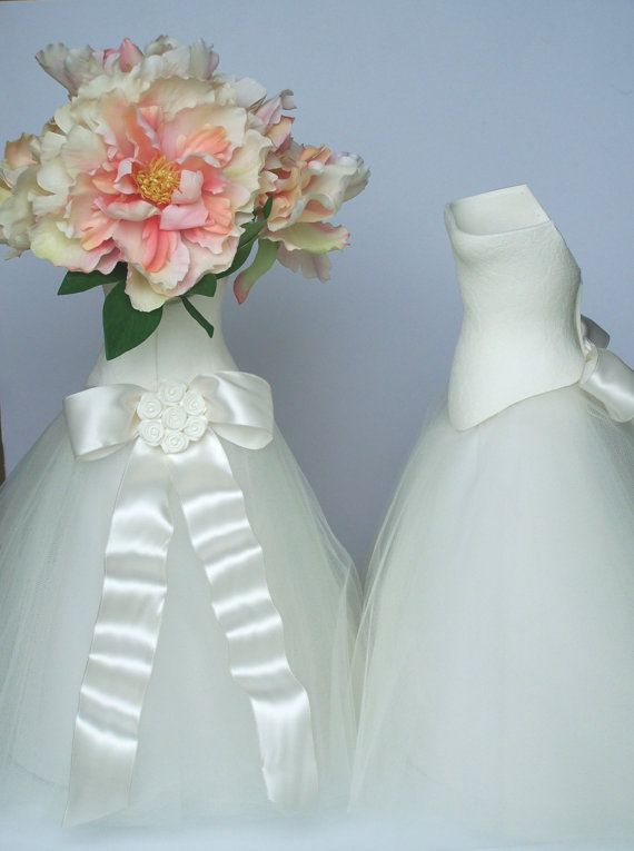 b36af2a4bd25 15 inch high wedding table centerpiece. Top is hollow made using ...