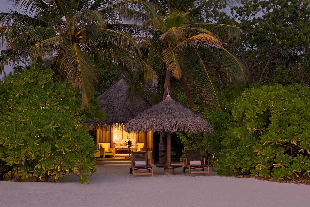 Destino: Maldivas ¡Nos vamos de luna de miel! BodaMás - A cada destino, su neceser - www.bodamas.com #bodas #bodamas #elcorteingles