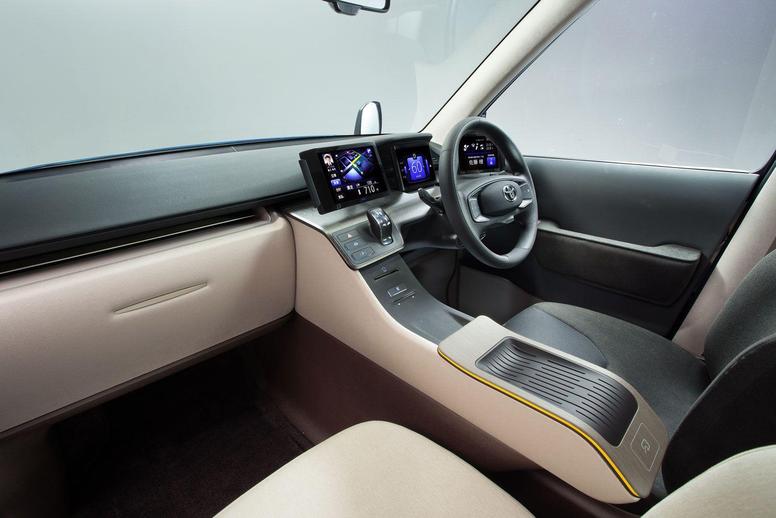 Toyota JPN Taxi Concept Interior - Car Body Design