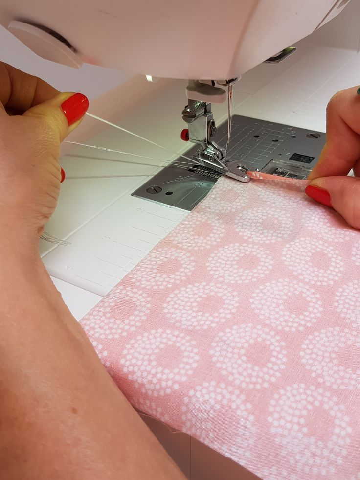 Couture pour débutants: cousez l'ourlet roulé avec la machine à coudre   – näh Tipp