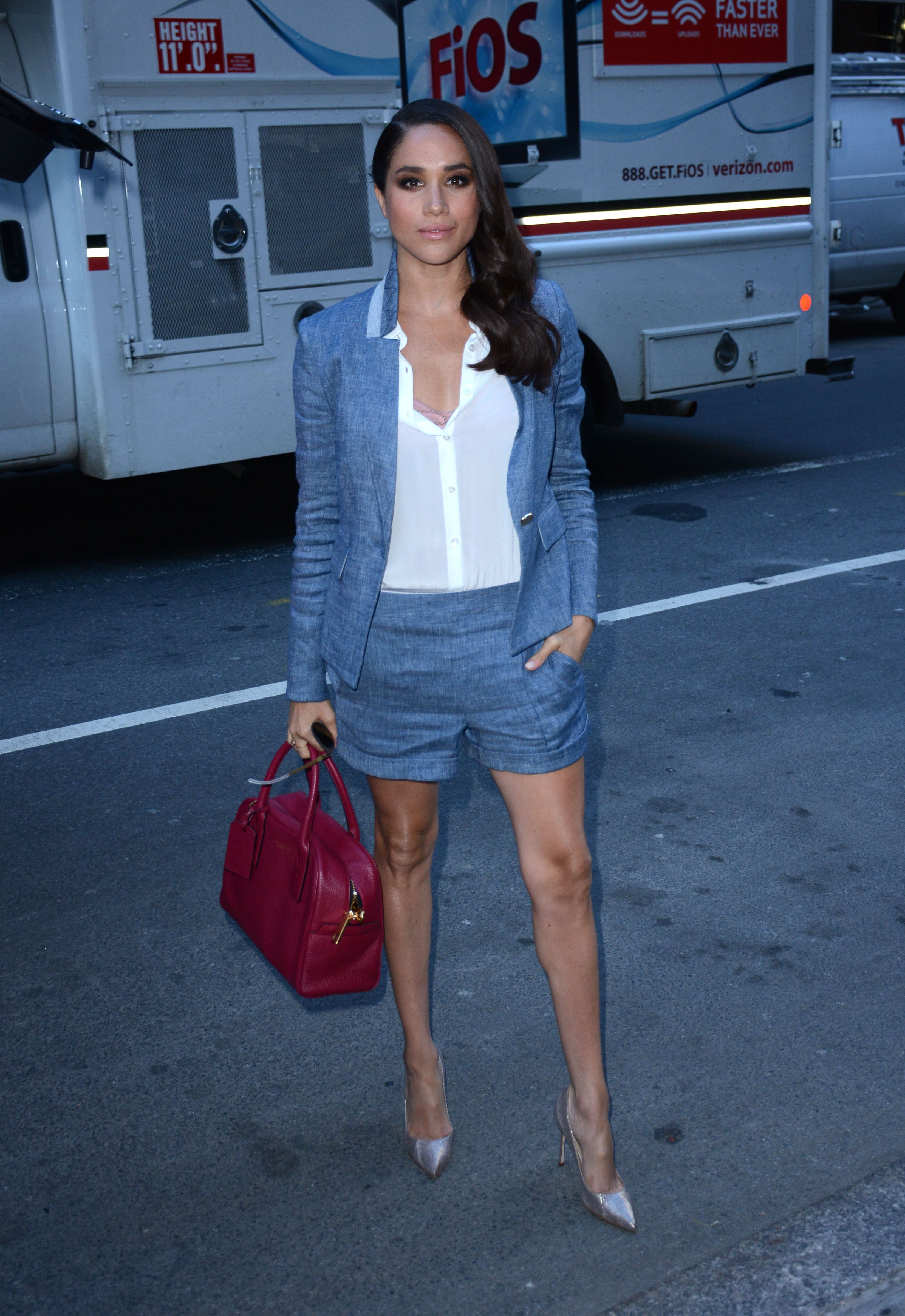 Meghan Markle with our new Marc Jacobs Gotham Bauletto Tote   DIANA ...