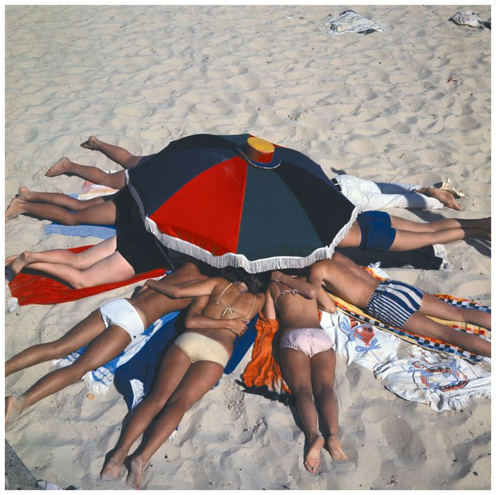 A private séance on the beach or an intimate game of spin