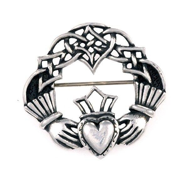 cette broche affiche le symbole de l 39 amour et de l 39 amiti des irlandais le claddagh saint. Black Bedroom Furniture Sets. Home Design Ideas