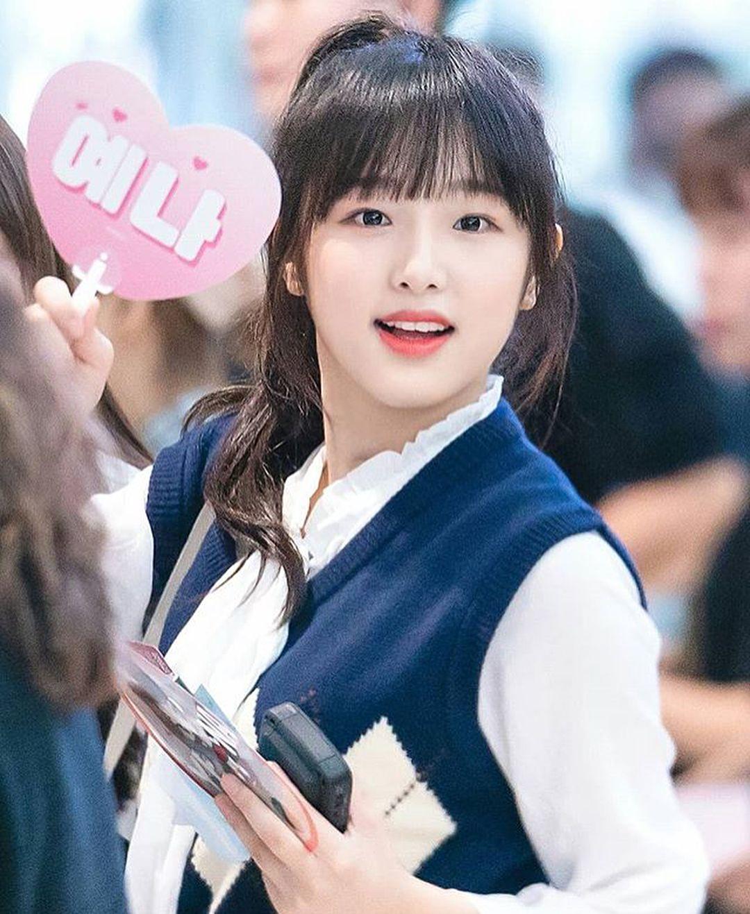Izone Yena Kpop Girls Korean Singer Korean Girl Groups