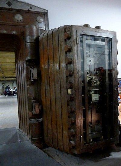 Ten Incredible Repurposed Bank Vaults Vault Doors Safe Door