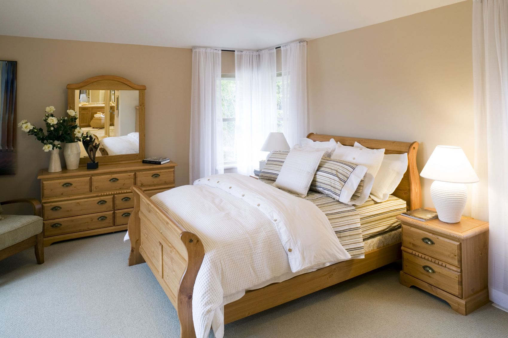 Inca by Beaulieu Minimalist bedroom furniture