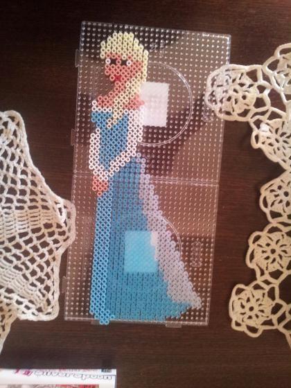 Création Perle Hama Modèle Elsa Reine Des Neiges Création Perles à