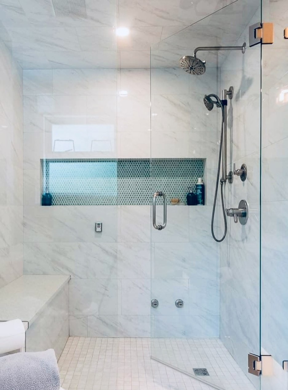 10+ Shower Base with Bench for Modern Bathroom Ideas in 10