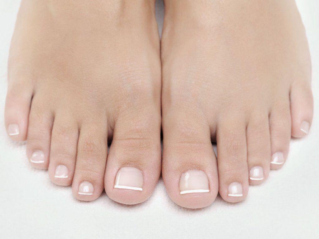 Perfekt pedikürte Füße – mit diesen Tipps klappt\'s | Pedicures ...