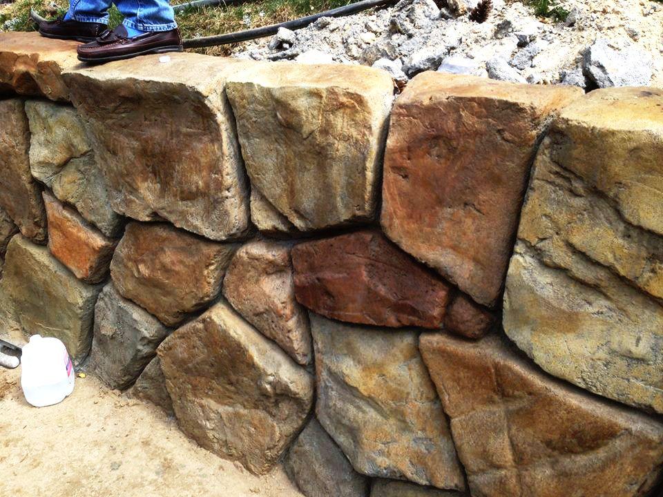Stonemakers Retainingwall Concrete Www Stonemakers Net Stone Wall Design Fake Stone Concrete Art