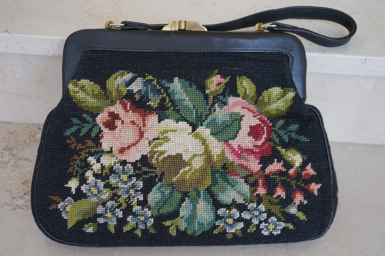 schwarze Vintage Gobelin Tasche mit handgestickten bunten