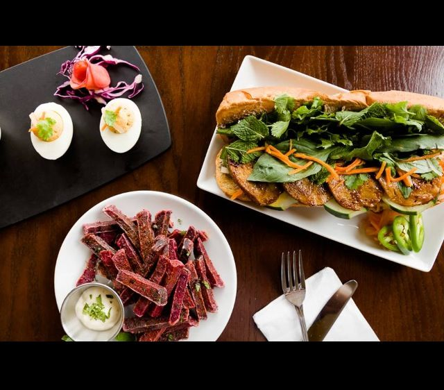A Sampling From Treehouse Vegetarian Restaurant In Saint Louis Missouri Vegetarian Vegan Vegetarian Lunch Out To Lunch