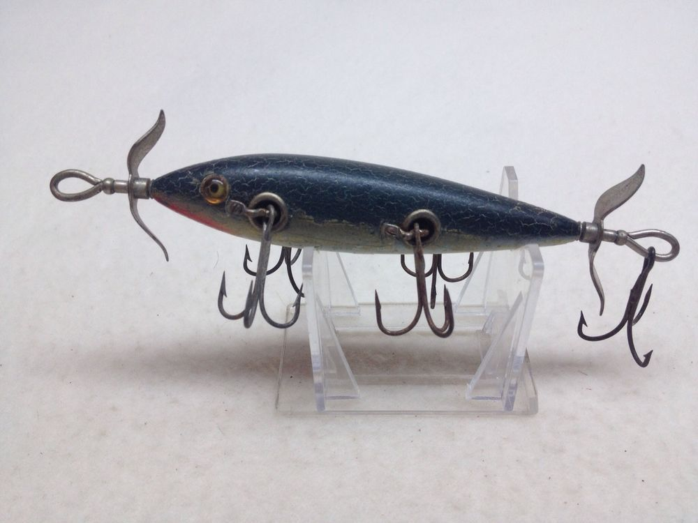 Vintage old wood heddon dowagiac 150 5 hook minnow fishing for Old wooden fishing lures