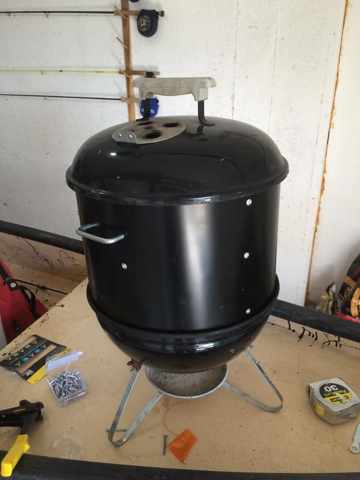custom smoker using a weber smokey joe grill like a pro or at least look like one. Black Bedroom Furniture Sets. Home Design Ideas