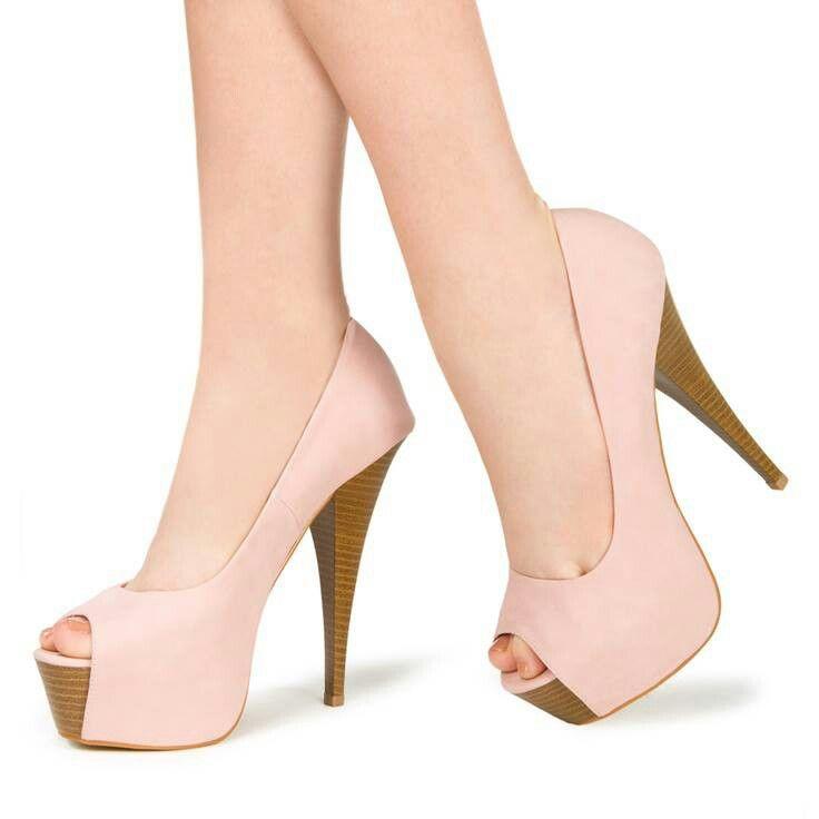 Zapatos muy femeninos! 0db22ef99466