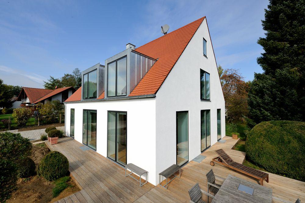 Weiss Mit Rotem Dach In 2019 Rotes Dach Haus Umbau Und