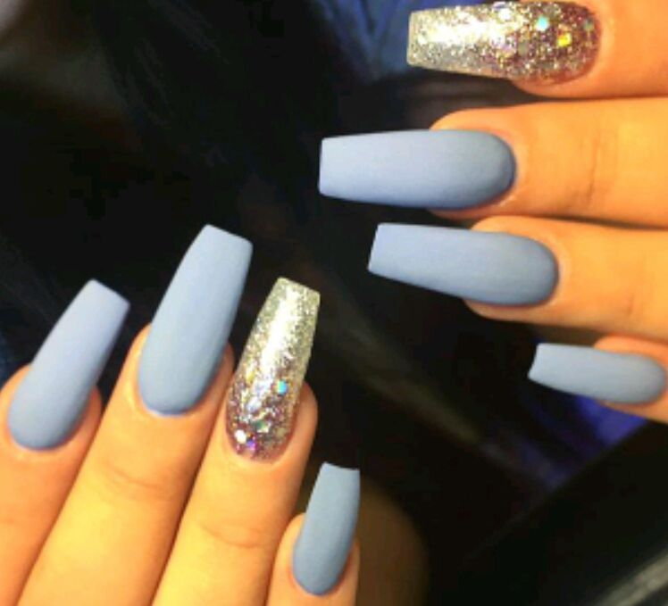 The Gangleader S Princess Blue And Silver Nails Silver Nails Baby Blue Acrylic Nails