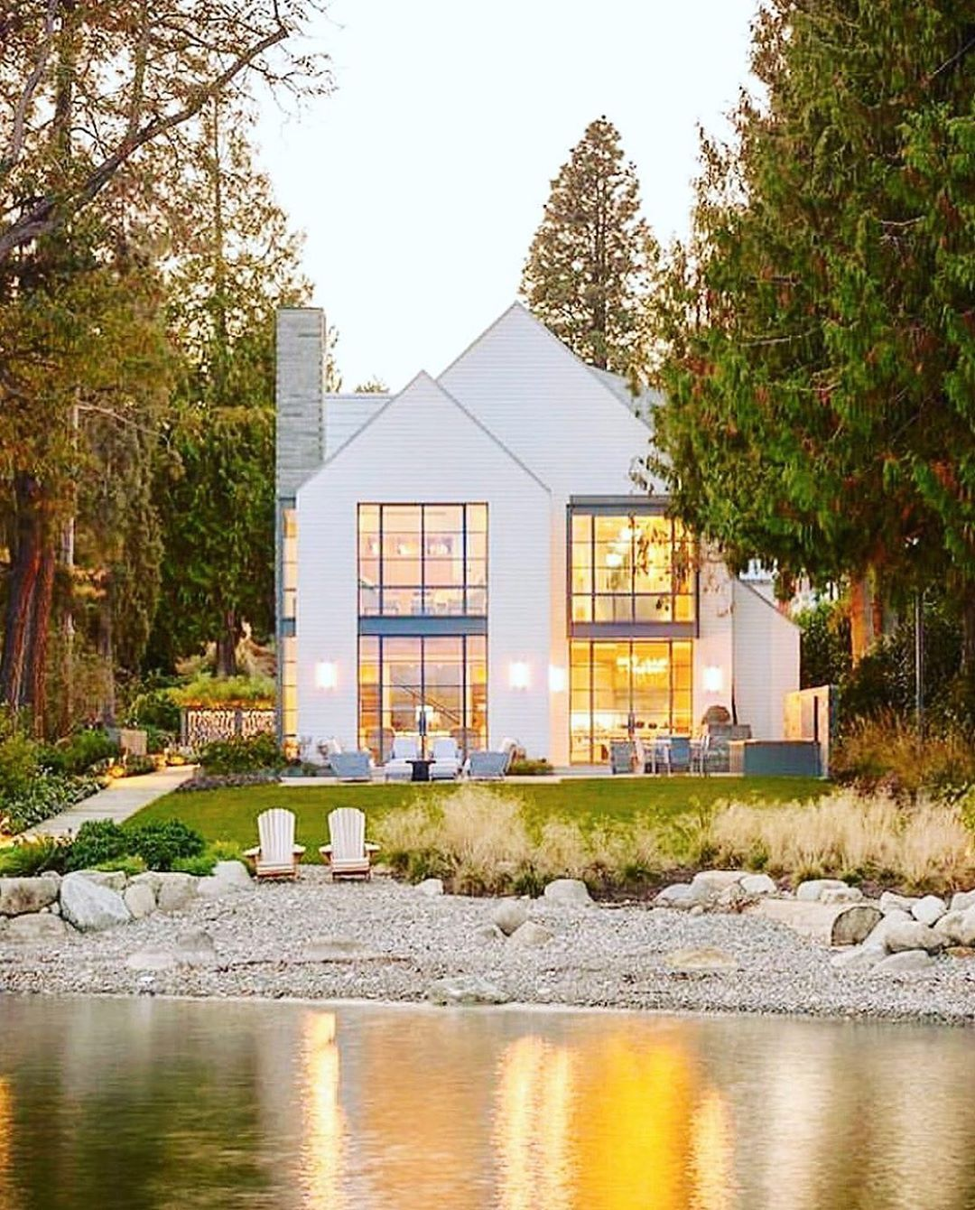 Sunset Magazine On Instagram This Stunning Washington Lake House Has Us Counting Down The Days Un Lake Houses Exterior Washington Lake House Waterfront Homes
