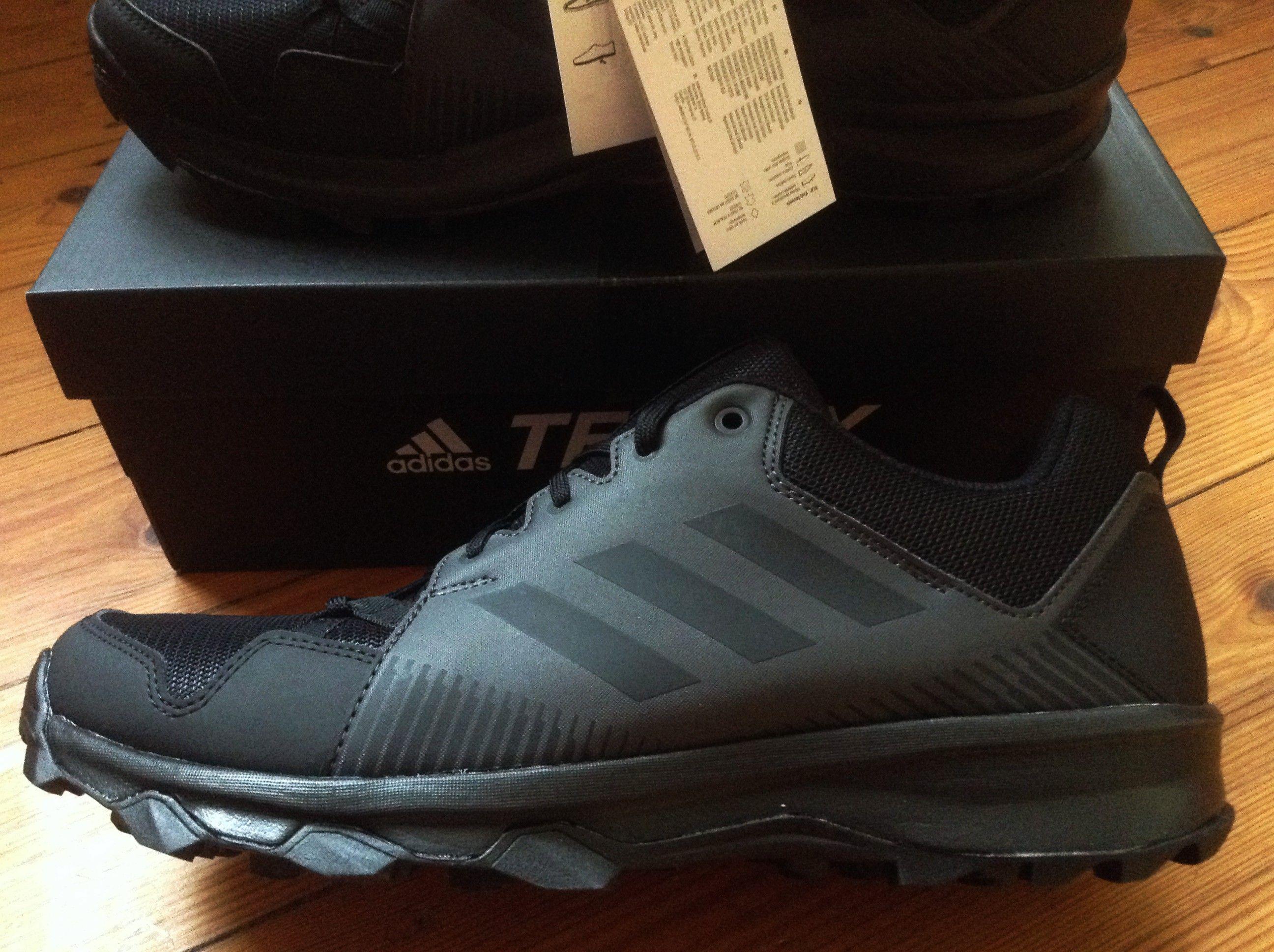 359d9be7d506e ADIDAS TERREX TraceRocker Multisportschuhe --- Ein Schuh fürs Trailrunning  und Wandern. Dieser leichte