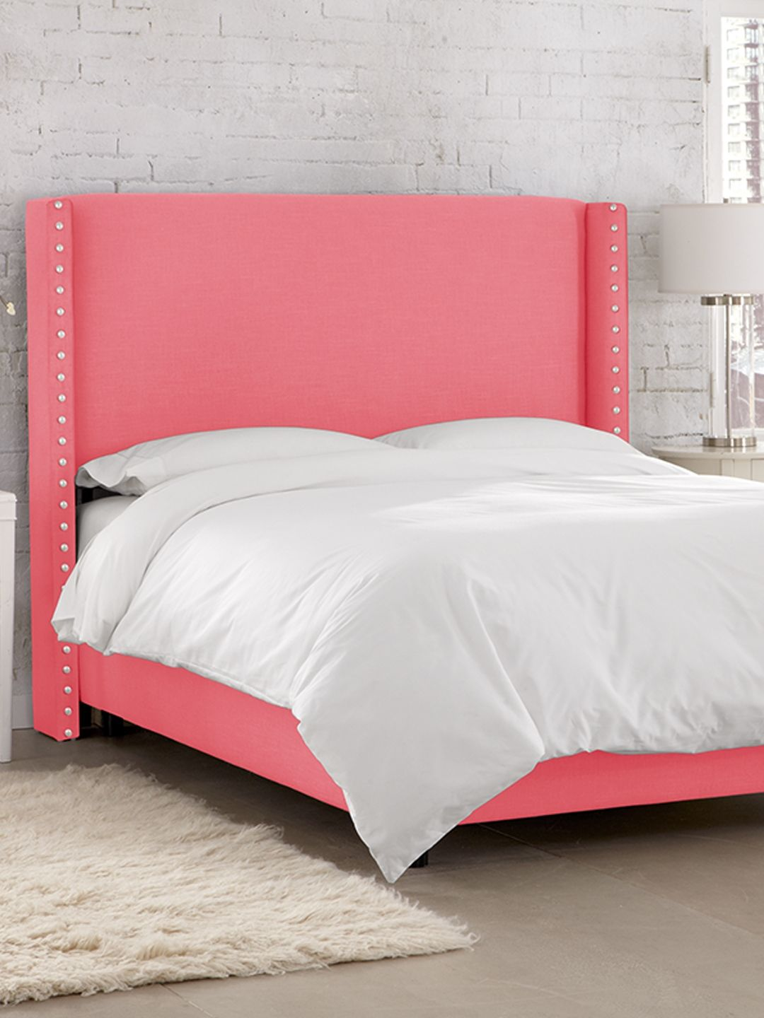 Wingback Bed With Big Nails By Platinum Collection By Sf Designs