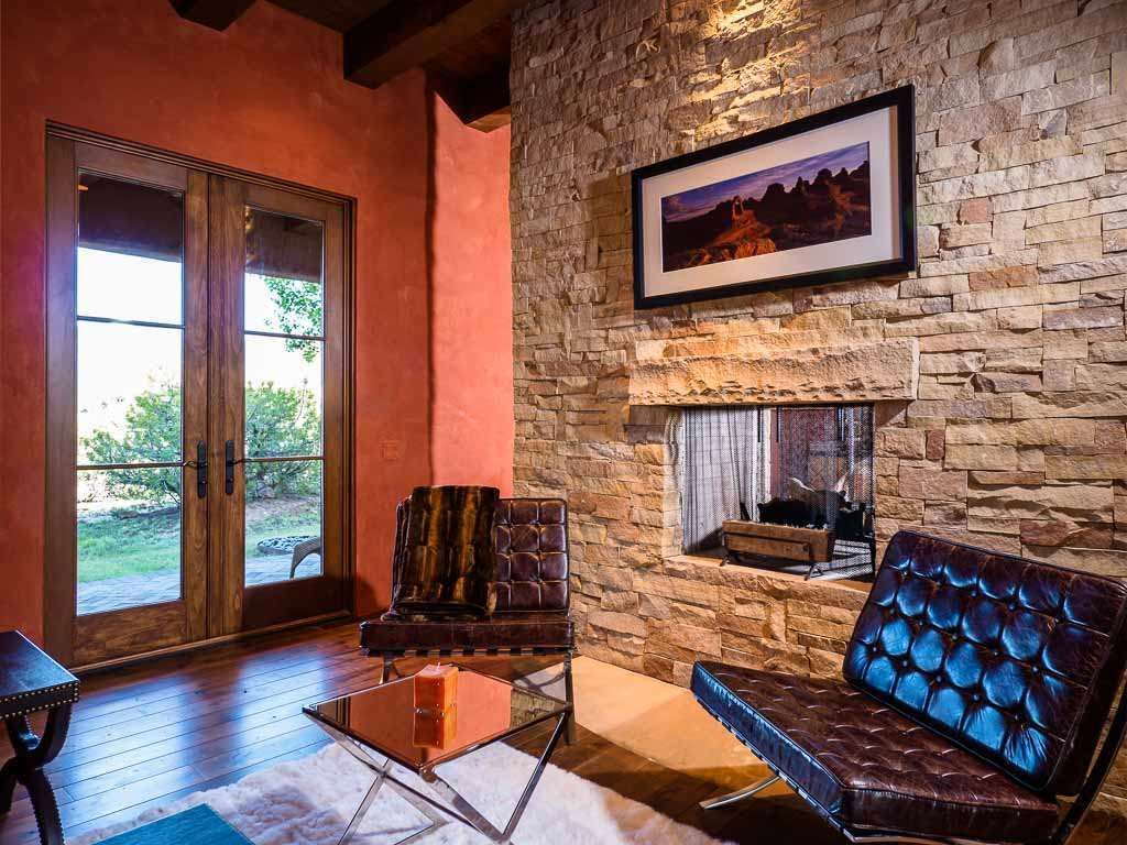 View 60 photos of this $2,450,000, 4 bed, 6.0 bath, 5751 sqft single family home located at 35 Vista Hermosa, Santa Fe, NM 87506 built in 2008. MLS # 201602967.