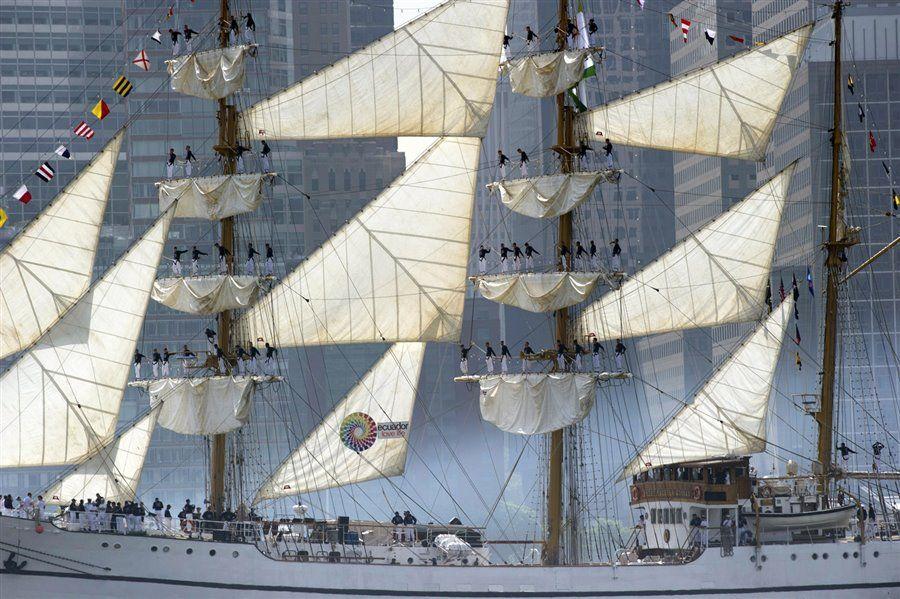 Ecuadorian Ship sails Past Statue of Liberty for Fleet Week