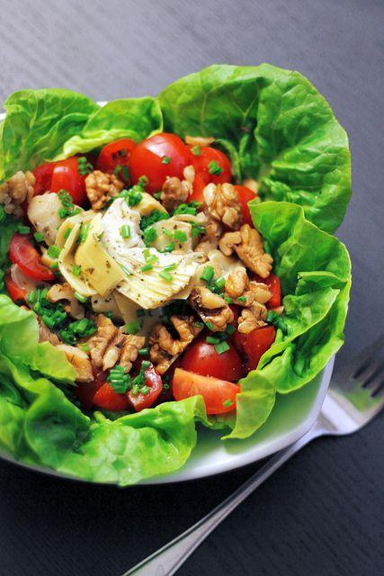 Artichokes, Tomatoes and Lettuce Salad Recipe