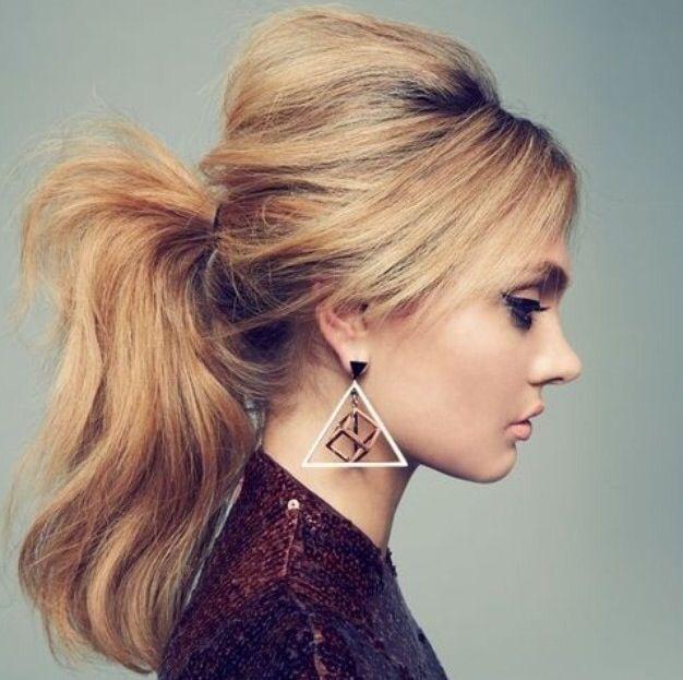 Les tutos du net — tuto chignon coiffe decoiffe 12 : A voir sur... | Coiffures rock, Coiffures ...