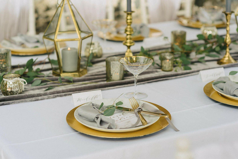 This Velvet Table Runner Is The New Wedding Trend Photo Table