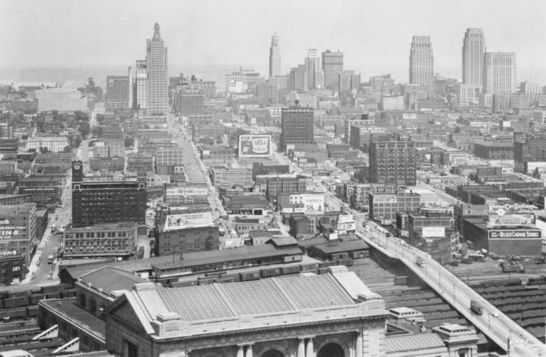 Kc Skyline 1950 Taken From The Wwi Memorial Kansas City Downtown Kansas City Missouri City Hospital