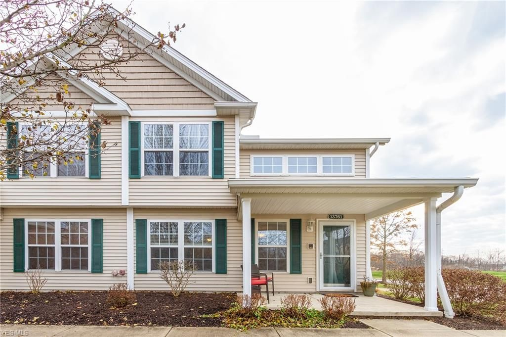 13761 Woodcroft Trce North Royalton Oh 44133 Home Family Great Rooms Home