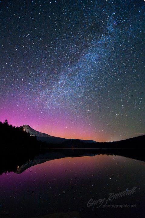 Aurora Over Mount Hood by Gary Randall