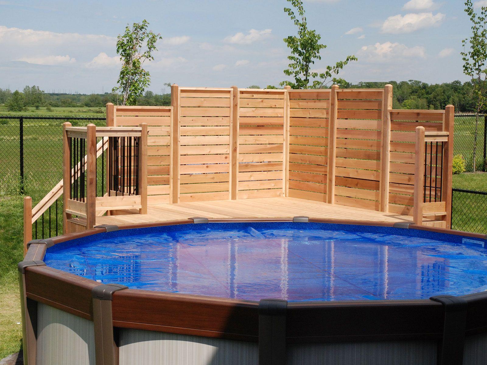 Deck de piscine en c dre et aluminium amenagement - Amenagement terrasse piscine ...