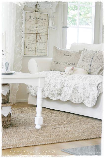 Pin von ☆Country Primitives Vintage Market Nikki Harrison☆ auf - Schlafzimmer Landhausstil Weiß