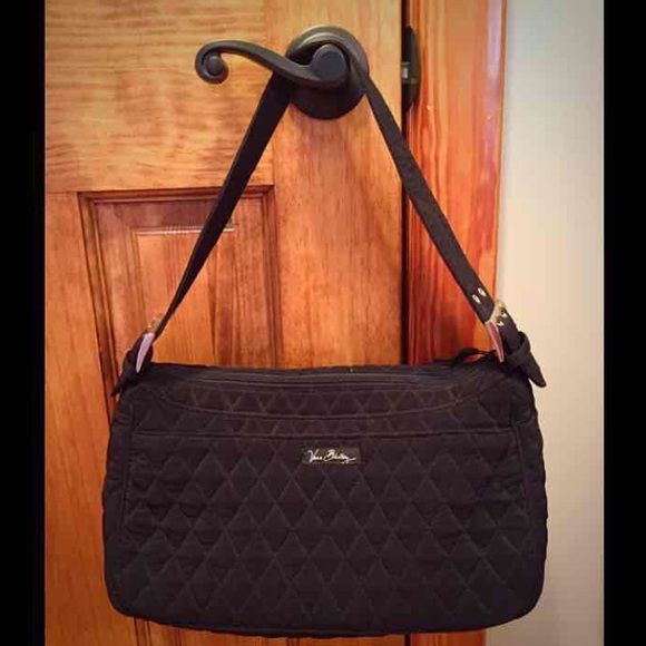 Vera Bradley Purse Has only been used a couple of times. In excellent condition with absolutely no flaws! Vera Bradley Bags Shoulder Bags