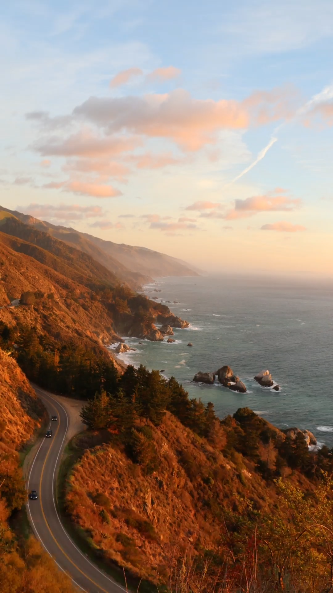Get ready to rock your West Coast Road Trip. Traverse the length of to the USA right up to Canada with this 2 weeks West Coast road trip itinerary. What to see, where to visit, where to stay  and how to budget for your epic road trip. Let's go! #roadtrip #USA #wanderlust #vacation